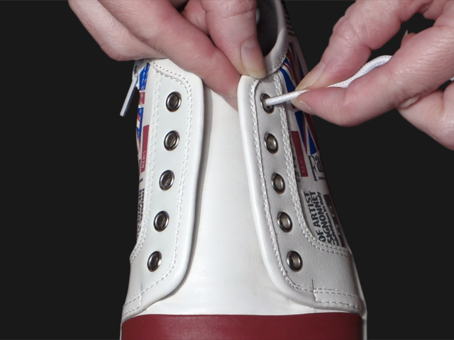 1_Ukrainian_Lacing_Step1